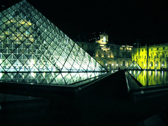 louvre at night 2010